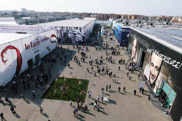 Vinitaly, word biggest wine exhibition.