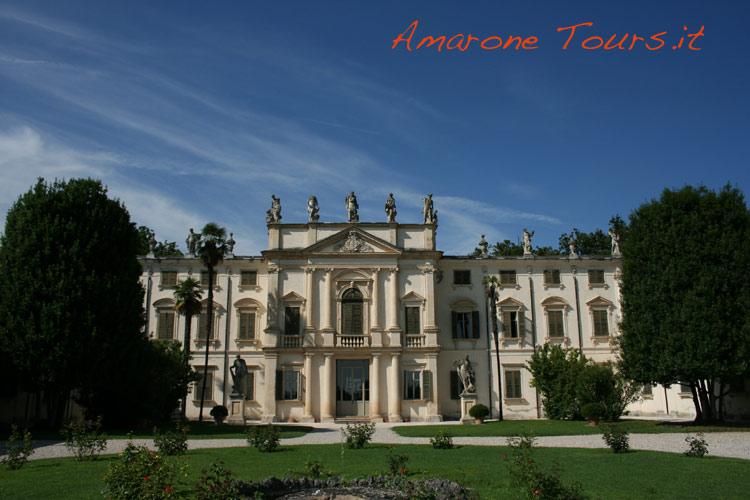 Villa winery tours in Verona.